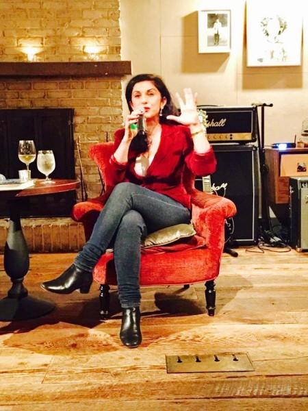 """דורית רביניאן באירוע לרגל צאת ספרה בפסטיבל """"היום השביעי""""י"""